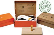 NIKE鞋盒里面贴邮票,只因要寄爱心