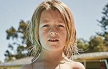 澳大利亚Royal Life Saving游泳池公益广告  WIFI密码变提示信息