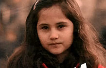 War Child公益组织纽约户外宣传活动 掉钱