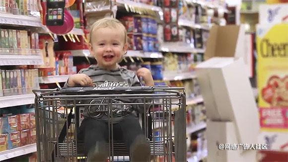 超市手推车广告_在和路雪的眼里,大人都变成了小孩 - 品牌营销案例 - 网络广告 ...