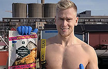 瑞典食品品牌Garant另类宣传 提鱼的男人