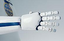 美国二手车网站KBB恶搞营销 HAND机器人