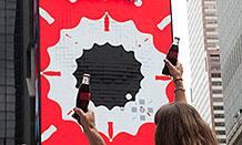 可口可乐纽约时代广场3D互动广告牌