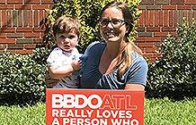 [品牌营销案例]BBDO亚特兰大疫情有爱活动 登门感谢员工