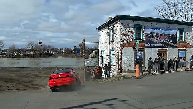 加拿大大众汽车超酷宣传 让民众参与拍摄