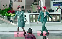 长荣航空圣诞节营销活动 机场琴键