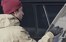 俄罗斯Jeep汽车的这个营销有点聪明 后窗的风景