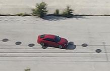 标致汽车请来知名音乐家用车替代钢琴,打造赏心乐目的广告