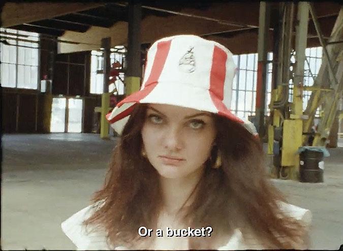 俄罗斯KFC创意活动 全家桶帽
