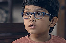 印度惠普打印机广告 滑手的男子