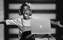 苹果三八妇女节广告 Mac背后的女性