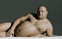 德国床垫零售商Muun恶搞广告 ?体胖男