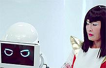 舒洁的春节婆媳大战系列广告又回来了,这次放在了未来世界