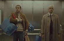 意大利宜家脑洞广告 电梯里的圣诞节