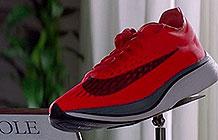 耐克恶搞广告:把鞋供起来不穿是病,得治